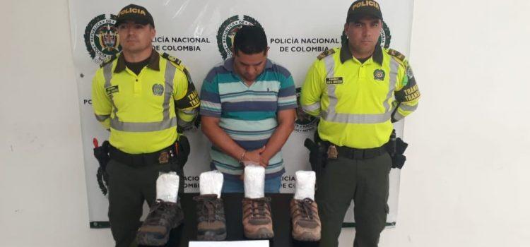 Capturado cuando transportaba cocaína en zapatos