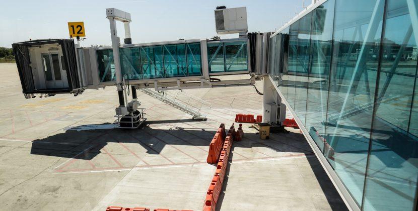 Verano destaca modernización de salas y puentes de abordaje en el Cortissoz