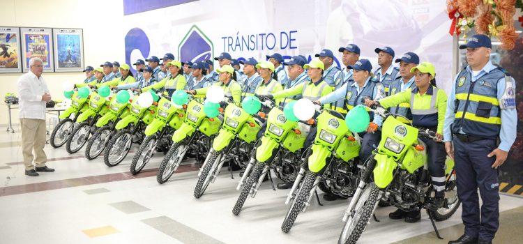 Alcaldía de Soledad entrega motos  para Policía de Tránsito
