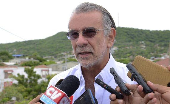 Verano apoya prórroga de suspensión de permisos de armas en Colombia