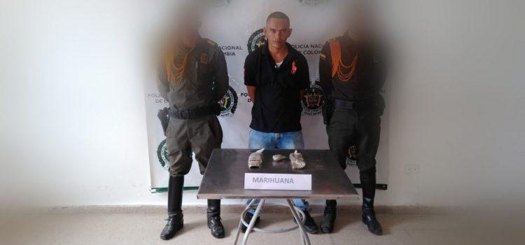 Lo capturan con 234 gramos de marihuana dentro de sus zapatos