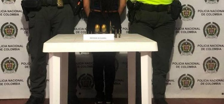 Capturan a una joven que transportaba 2 granadas en un bus