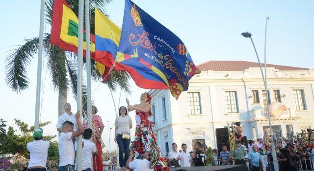 Con homenaje a la Policía Nacional, la Alcaldía izó la bandera del Carnaval 2019