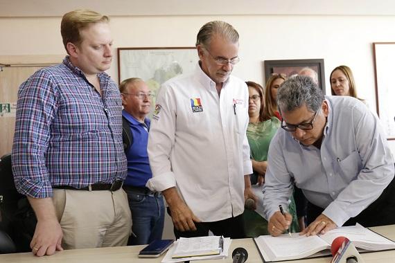 Ulahy Beltrán, nuevo gerente del Hospital Cari