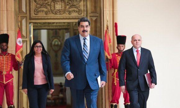 Maduro Asumió segundo mandato en Venezuela