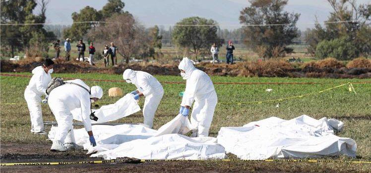 Aumenta a 93 la cifra de muertos por explosión de ducto de gasolina en México