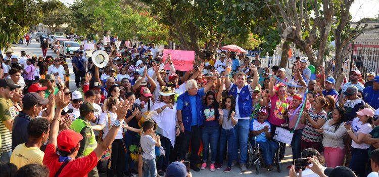 Alcalde pavimenta vías que interconectan tres barrios de Soledad