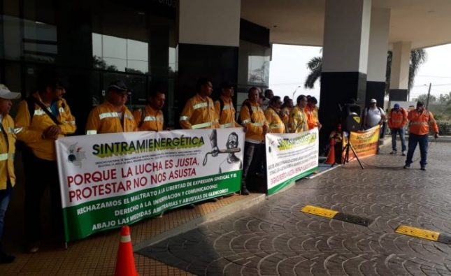 Trabajadores de Glencore protestaron porque no les permiten el uso del celular