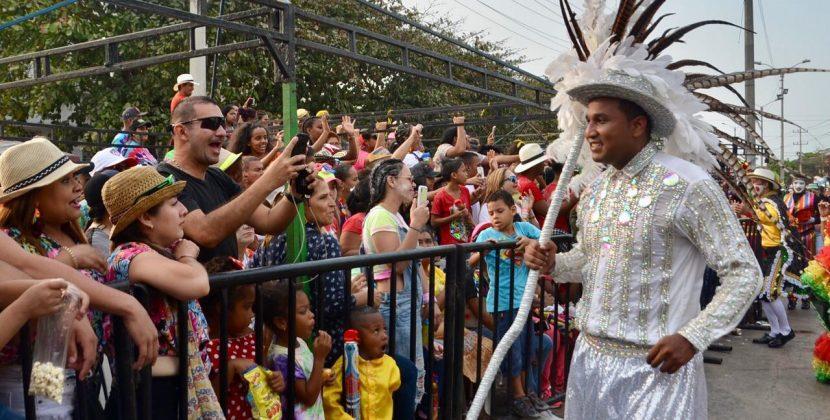 Óscar David Galán se gozó el desfile de la Batalla de Flores