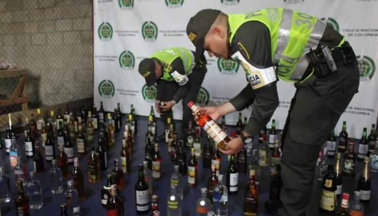 Policía incauta licor de contrabando
