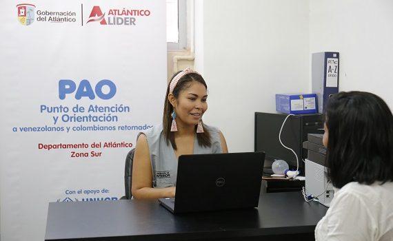 Retornados y migrantes venezolanos reciben orientación en 3 puntos en Atlántico