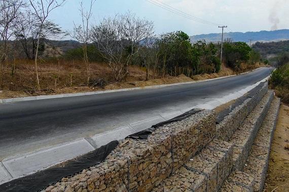 Avanza en 45 % la mejora de 6 kilómetros de vía entre Tubará, Guaimaral y Paluato