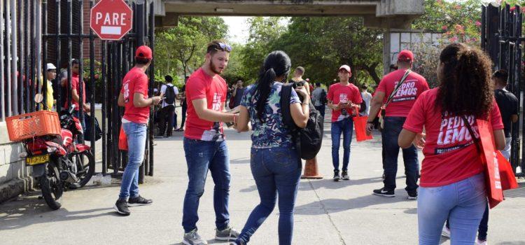 Voluntarios de Pedro Lemus se toman universidades de Barranquilla