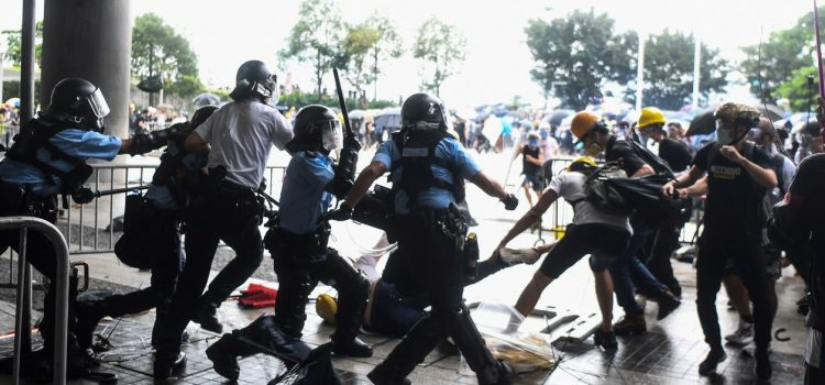 Continuan los disturbios en Hong Kong