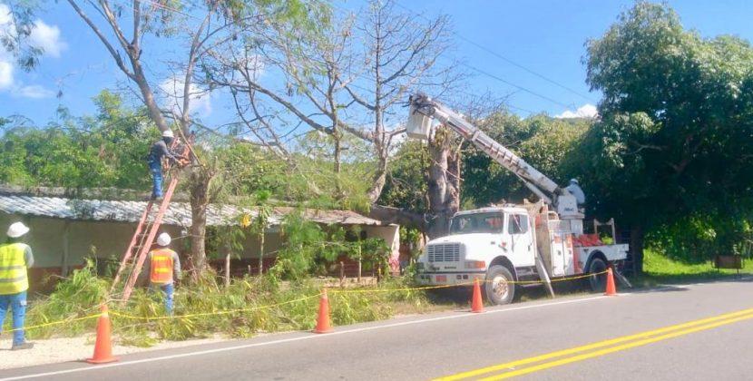Continúan obras eléctricas por canalización del arroyo Hospital